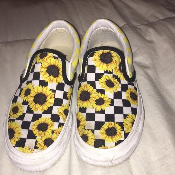 ff0832e0cf1 Custom sunflower yellow and black vans. M_5bfb4a5e95199637146de83a